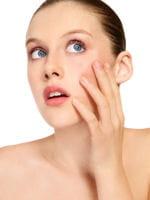 l'acné d'adulte touche de nombreuses femmes.