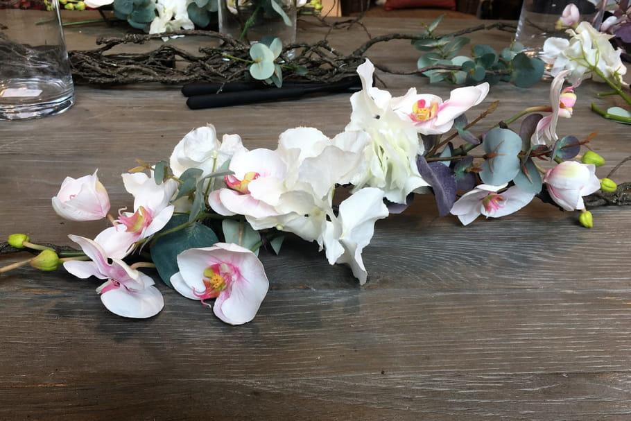 DIY: un centre de table en fleurs artificielles