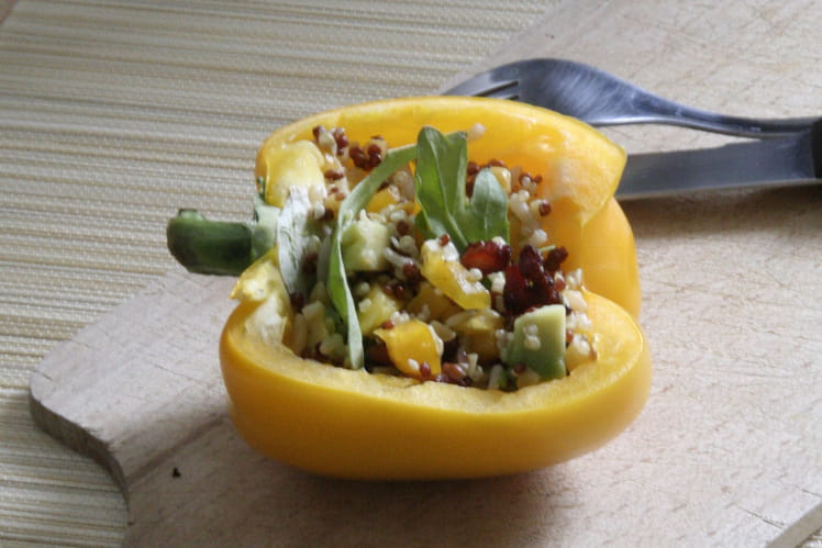 Salade quinori poivron avocat et lardons