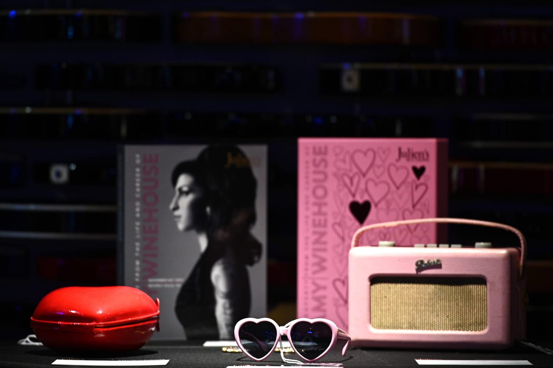 La garde-robe d'Amy Winehouse vendue aux enchères en live