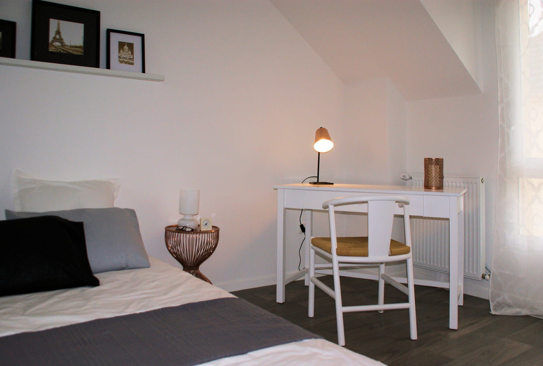 coin bureau lumineux. Black Bedroom Furniture Sets. Home Design Ideas
