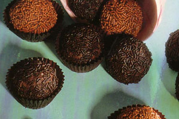 Truffes au chocolat et aux amandes