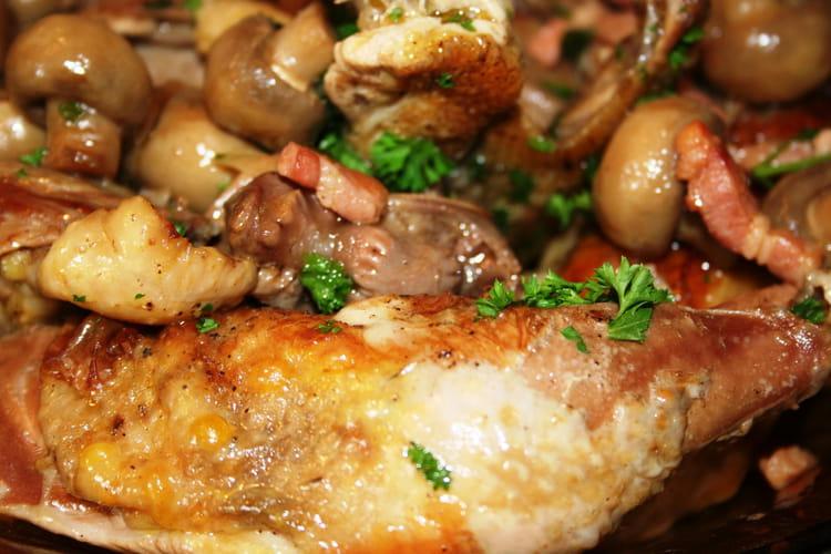 Recette de pintade brais e aux lardons la recette facile - Comment cuisiner des cuisses de pintade ...