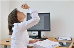 non, utiliser l'ordinateur n'accélère pas l'apparition de la presbytie.
