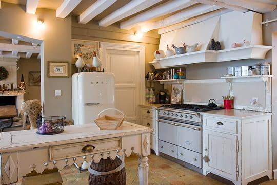 Une cuisine l 39 ancienne for Deco ancienne cuisine