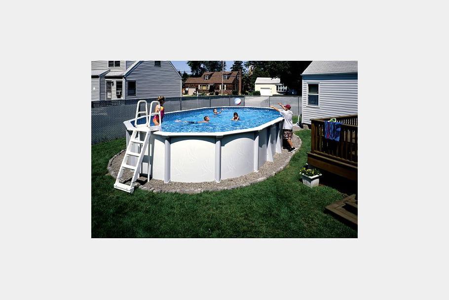 De l 39 acier pour une piscine haut de gamme des piscines for Piscine haut de gamme