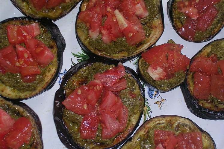 Bruschettas d'aubergine au pesto