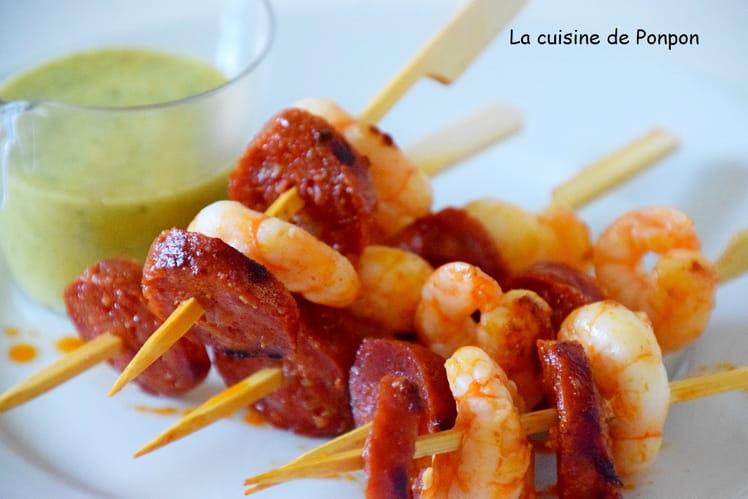 Brochette de scampi et chorizo à la sauce verte