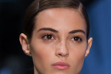 Prada (Close Up) - photo 12