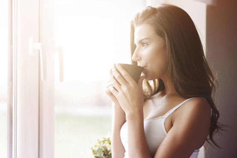 Réduire le risque de récidive du cancer du côlon grâce au café?