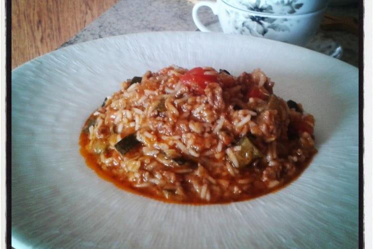 Pilaf de riz basmati au boeuf épicé et courgettes