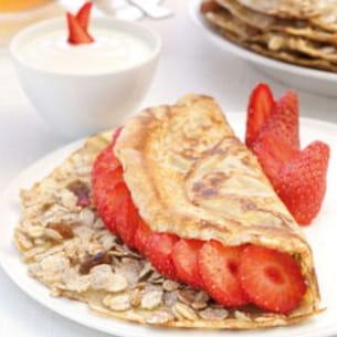 crêpes aux céréales muesli et fraises