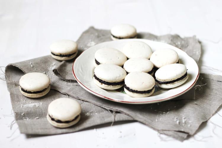 Macarons au chocolat et à la noix de coco