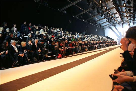Fashion week : défilé Guy Laroche, prêt-à-porter automne-hiver 2011-2012 invités journalistes mode