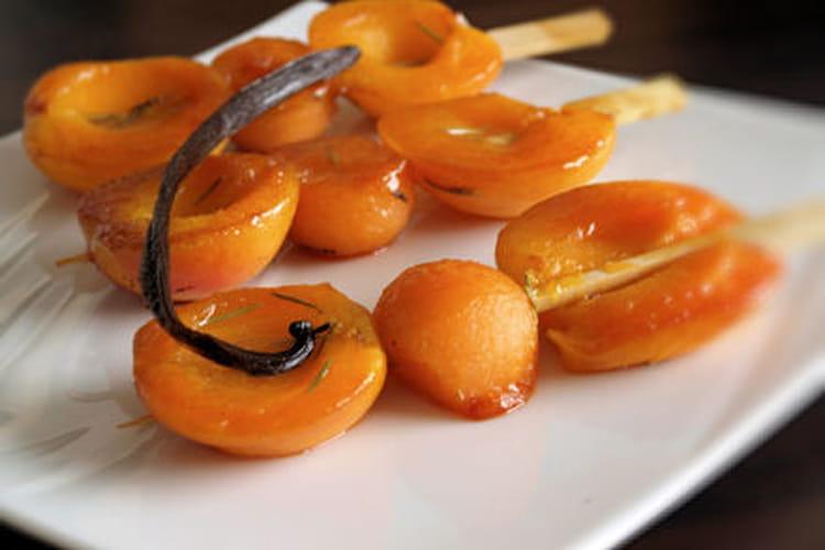 Brochette d'abricot et melon au miel et épices