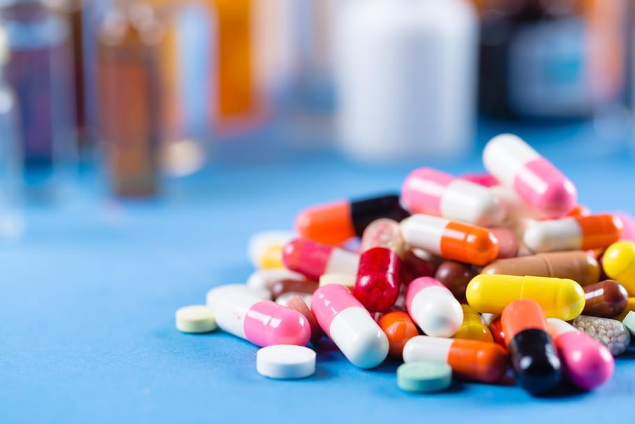 Médicaments périmés: sont-ils dangereux, à qui les donner?