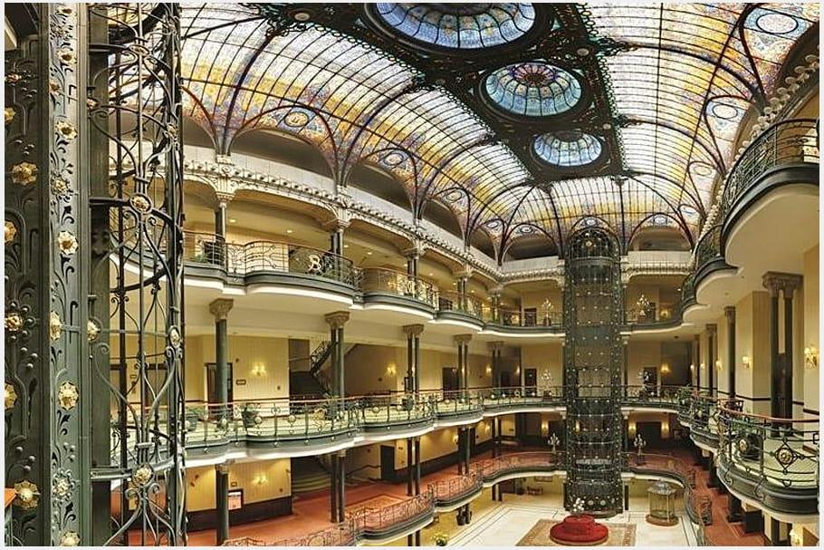 Gran Hotel de la Ciudad de Mexico (Mexique) dans Spectre en 2015 et dans Permis de Tuer en 1989