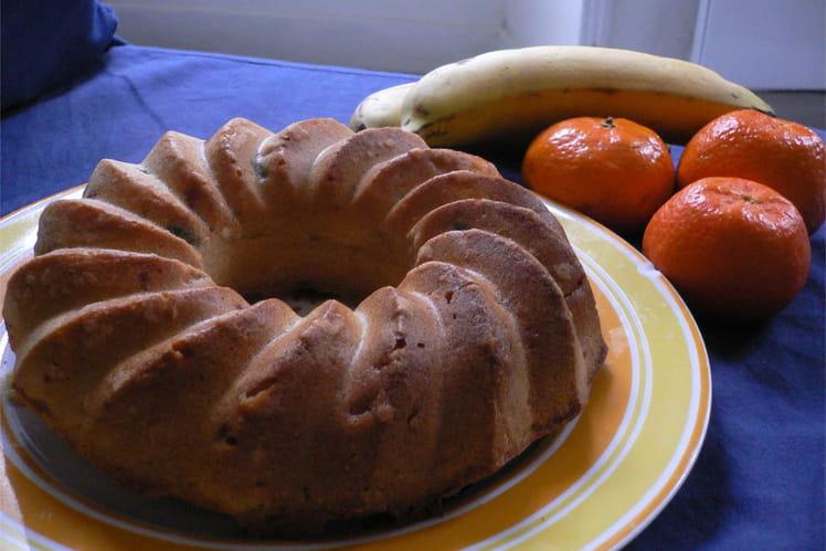 Couronne dorée aux fruits et aux fruits confits