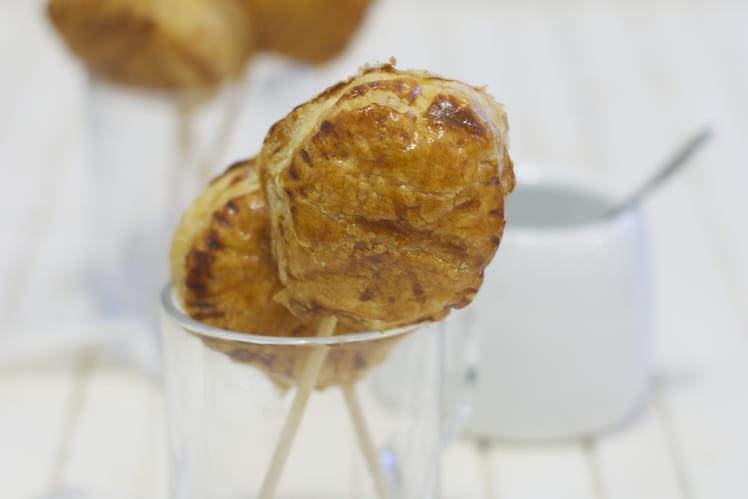 Galettes des rois à la pistache en sucettes