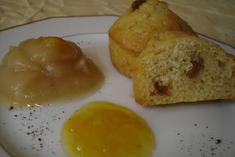 Muffins aux raisins, compote pomme-vanille