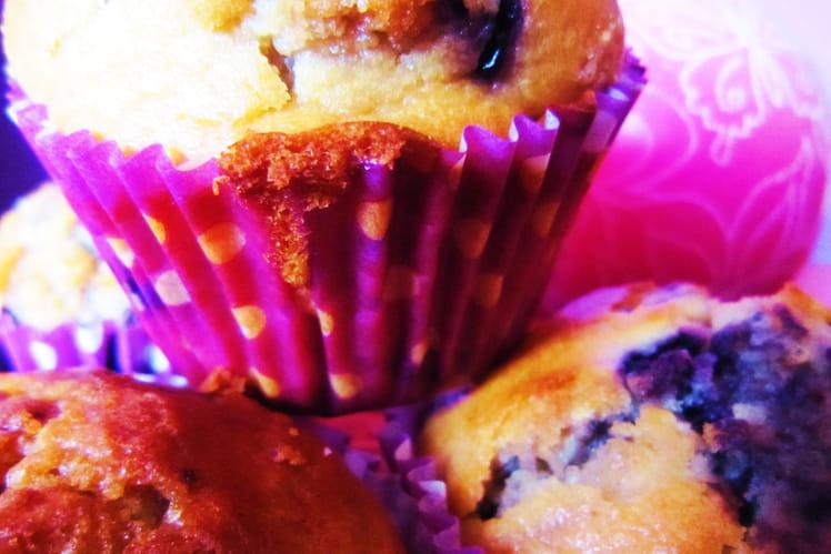 Muffins aux myrtilles et éclats de nougat