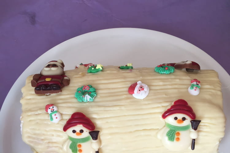 Bûche de Noël à la mascarpone, chocolat blanc et framboises