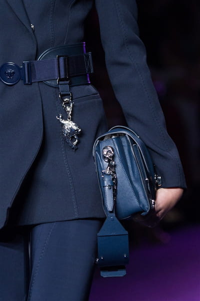 Versace (Close Up) - photo 3
