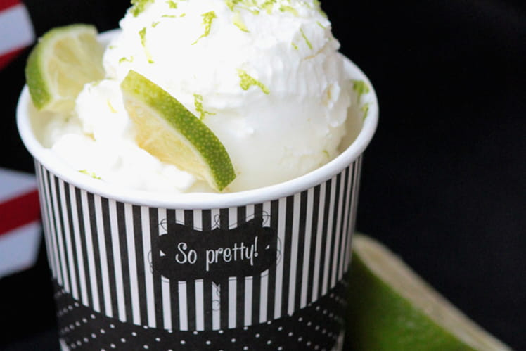 Lime frozen yogurt
