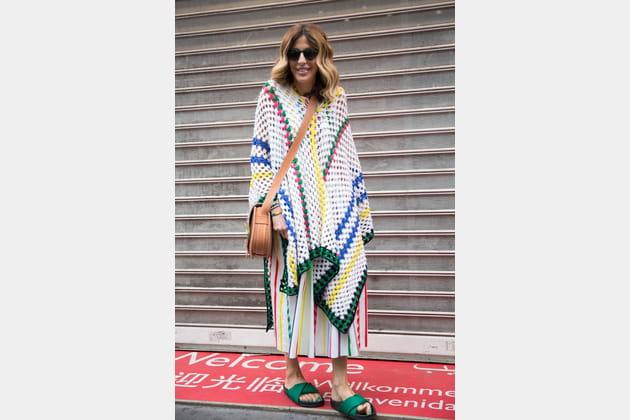Street style à Paris : le poncho