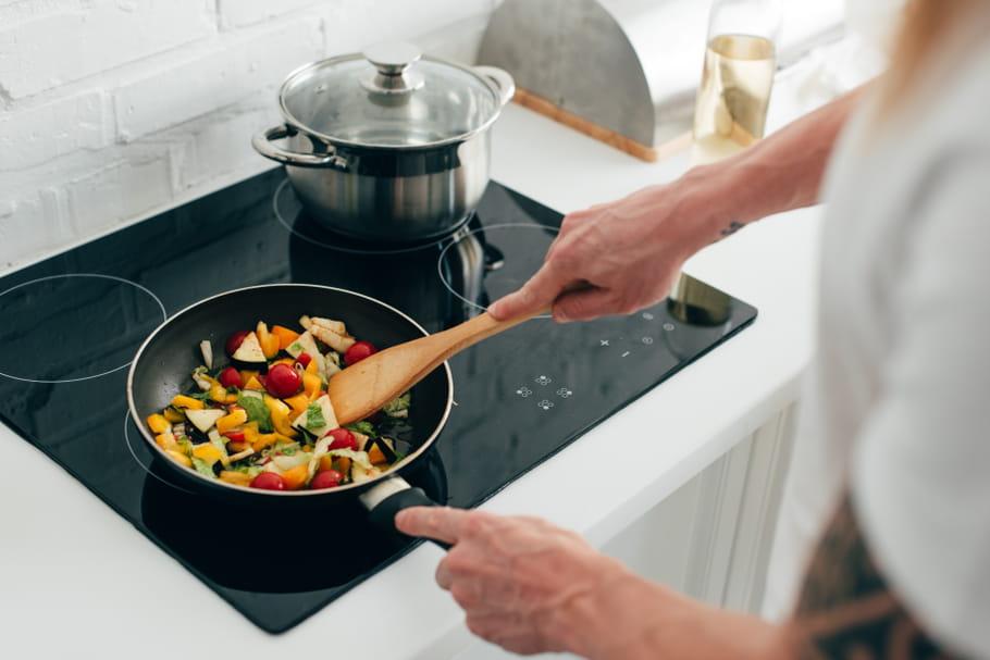 Nos astuces pour allonger la durée de vie des poêles et casseroles