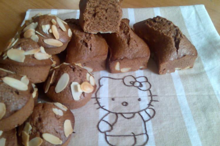 Mini-fondants au chocolat noir et amandes