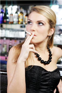 la cigarette diminue les défenses immunitaires et introduit des agents chimiques