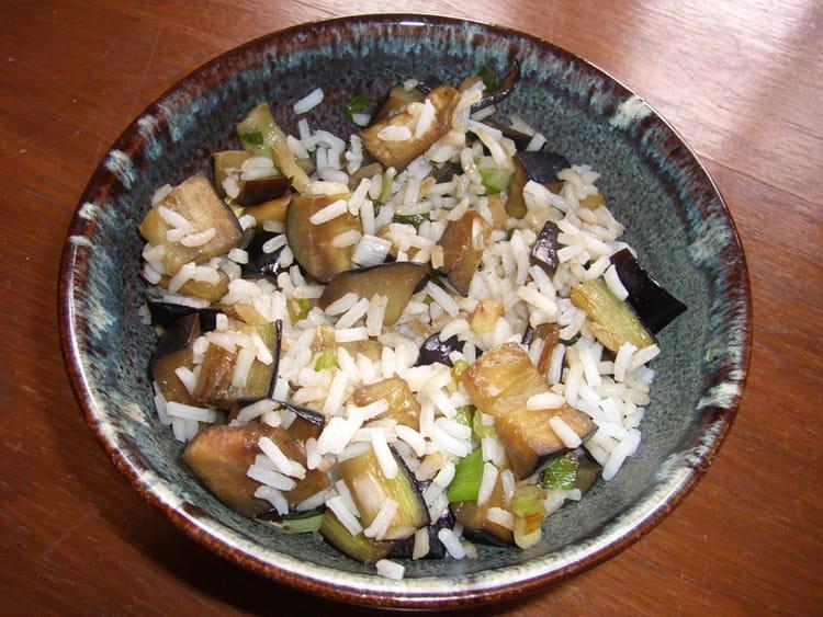 Recette de riz aux aubergines l 39 asiatique la recette facile - Peut on donner du riz cuit aux oiseaux ...