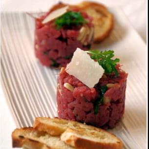tartare revisité de bœuf angus au vieux parmesan
