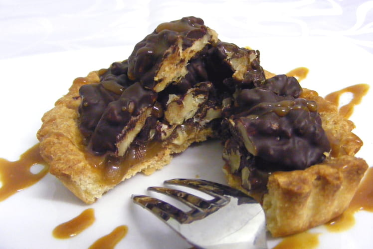 Tartelettes caramel au beurre salé, noix, chocolat