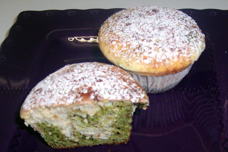 Muffins au chocolat blanc et au thé matcha