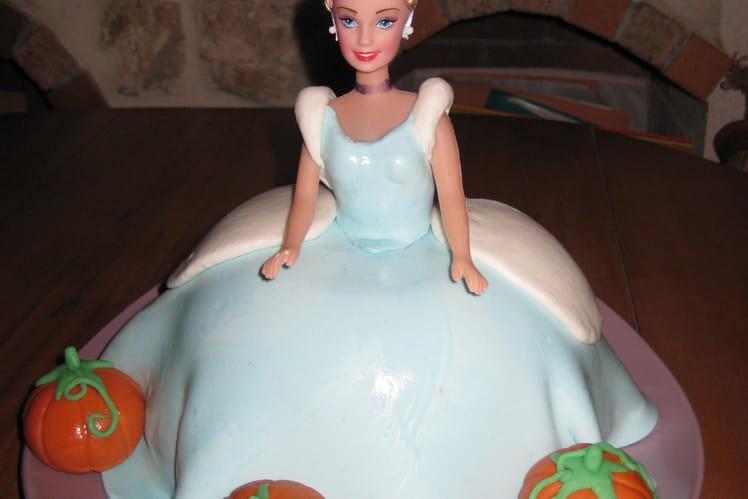 Gâteau princesse : Cendrillon en 3D
