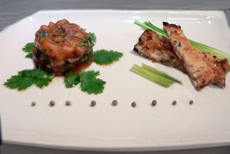 Tartare de saumon aux herbes chinoises