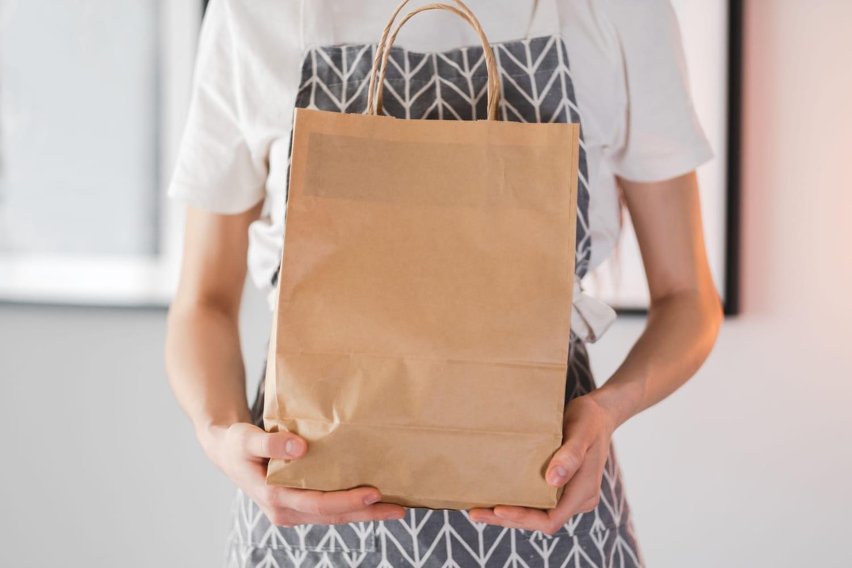 """""""Doggy bag"""": désormais obligatoire dans les restaurants pour lutter contre le gaspillage alimentaire"""