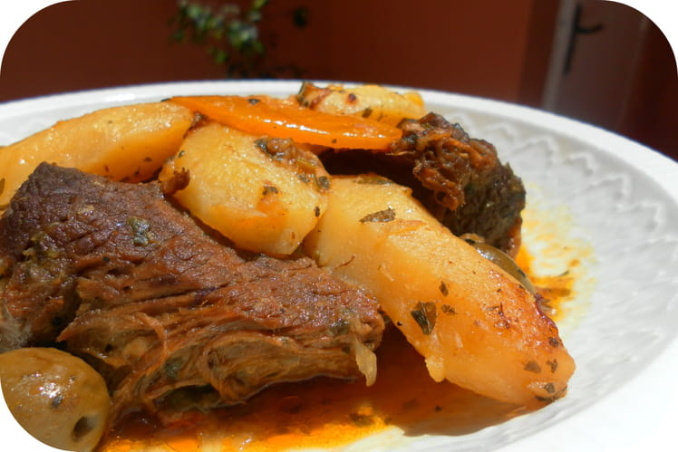 Tajine de viande M'chermel aux pommes de terre
