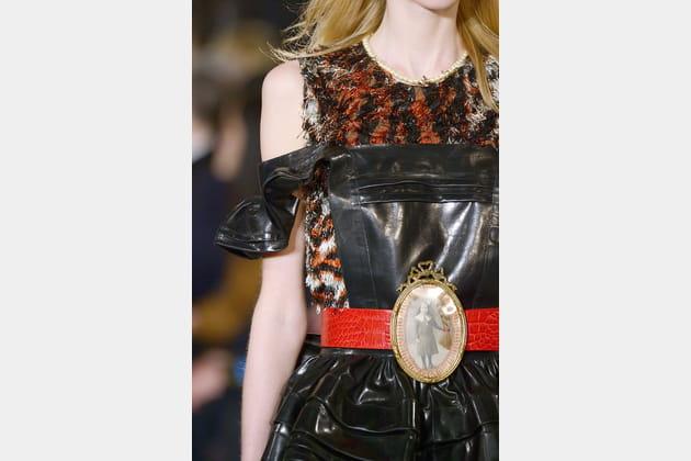 La ceinture à médaillon photo du défilé Maison Margiela