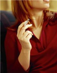 par les éléments toxiques qu'il contient, le tabac altère les fonctions de
