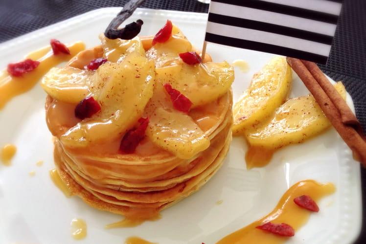 Millefeuilles de crêpes aux pommes et au caramel beurre salé