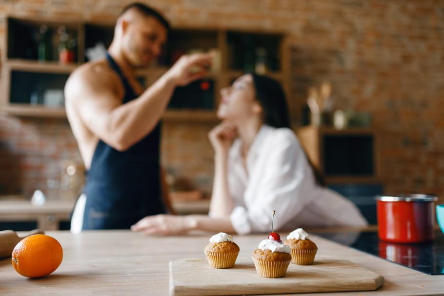 4positions sexuelles à tester quand on a trop mangé