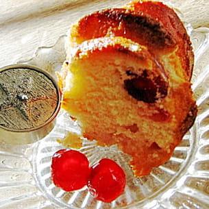 cake au yaourt coco et cerises confites