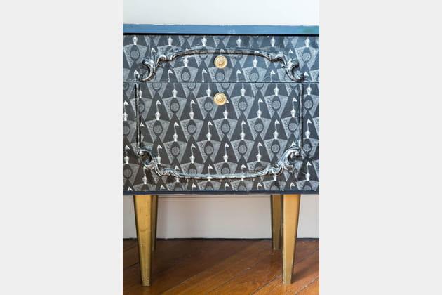 Une Table Une Table Personnalisée Chevet De HbD9YWEe2I