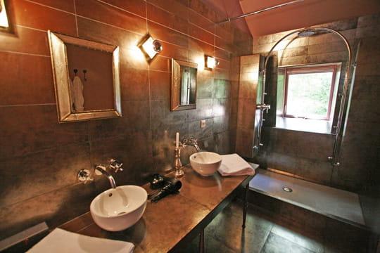 La salle de bains de la suite