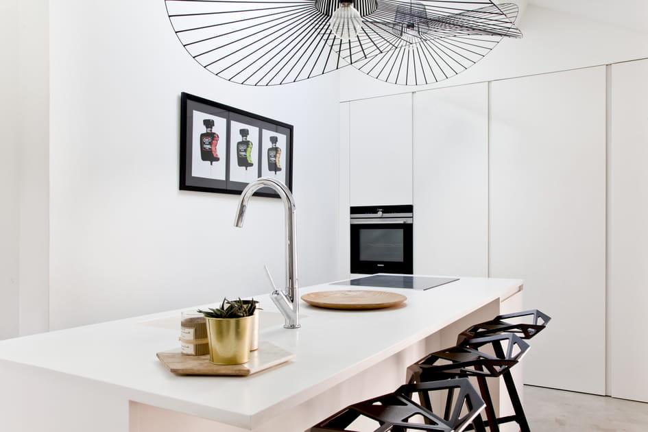 Une cuisine blanche épurée