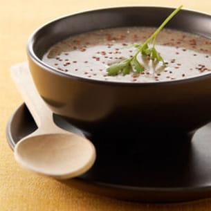 bouillon de quinoa au jus de roquette et coquillage
