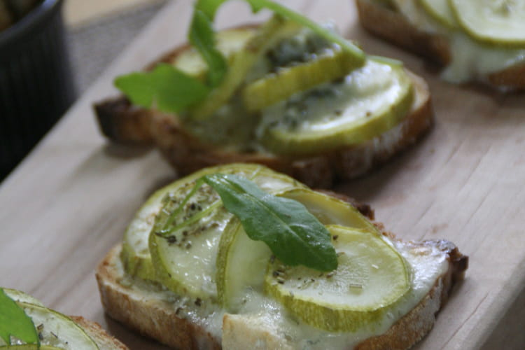 Bruschettas courgettes et gorgonzola